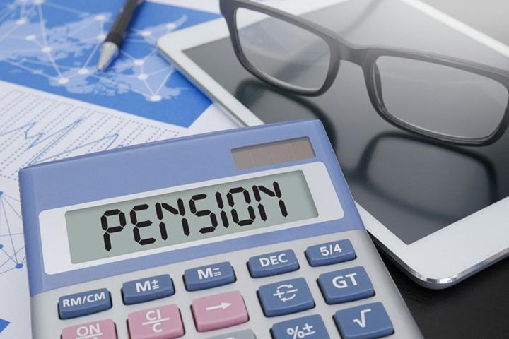 高年齢者が退職する際に担当者が気をつける手続きとは