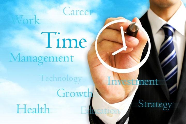【社労士監修】フレックスタイム制の清算期間が最長3カ月に!企業側の対応や残業代は?